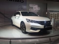 honda-accord-new-model-photos-front-angle