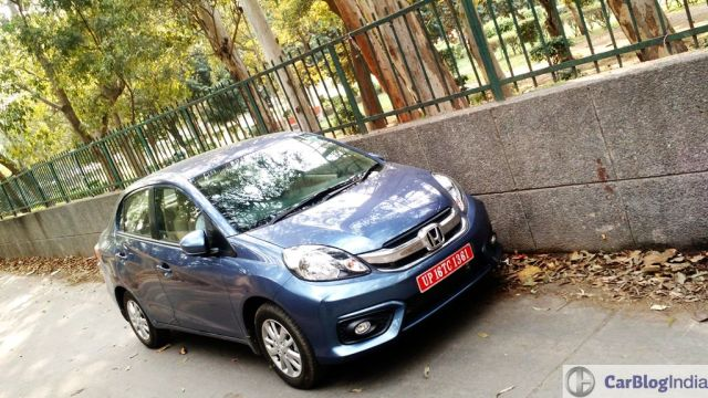 Automatic Sedan Cars in India below 9 Lakhs Price, Specifications, Images 2016 honda amaze review top front