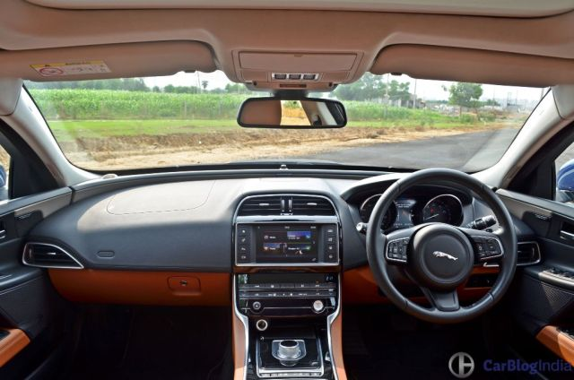 jaguar-xe-test-drive-review-dashboard