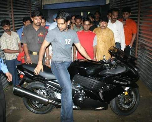 ms-dhoni-bike-collection-kawasaki-ninja-zx-14r