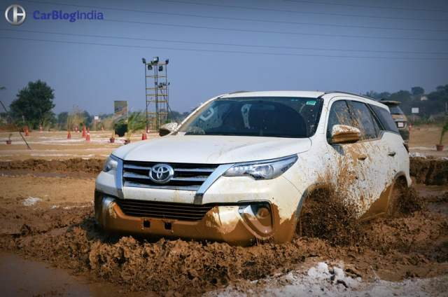 toyota fortuner off road review images