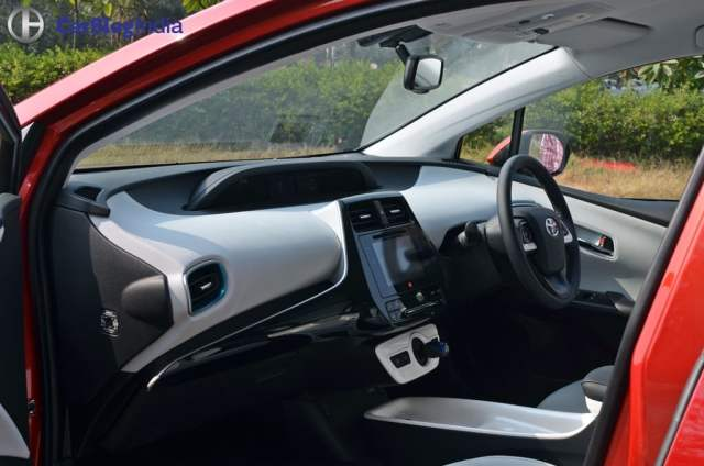 New Toyota Prius Test Drive Review India, Ride, handling, specifications new-toyota-prius-test-drive-review-india-1