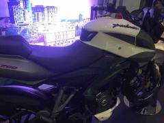 Bajaj-Pulsar-200NS-FI-Images-Side-Profile-White-Black-3
