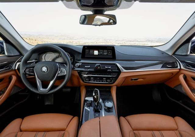 2017 bmw 5 series india official image dashboard