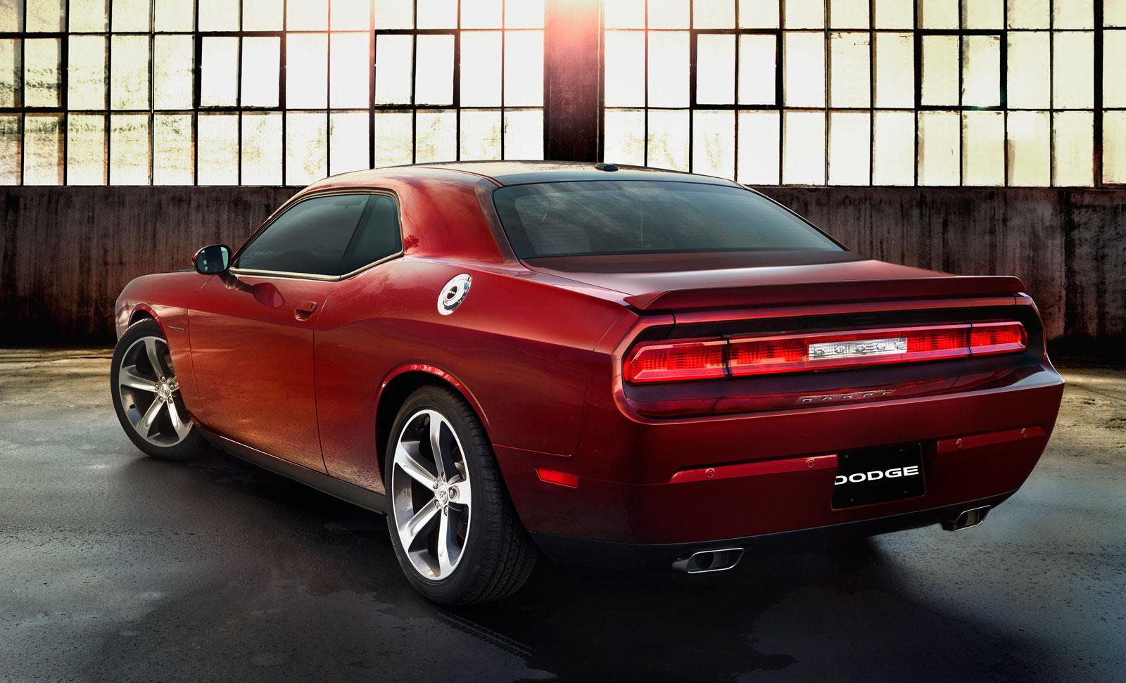 2014 Dodge Challenger Car Body Design