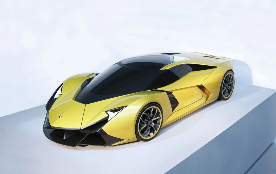 Lamborghini Encierro Concept by SPD   Car Body Design The surface treatment features sharp edges  tight lines and a decomposition  of the surfaces  which takes inspiration from jet fighter and is in line  with