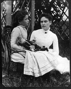 300px-helen_keller_with_anne_sullivan_in_july_1888
