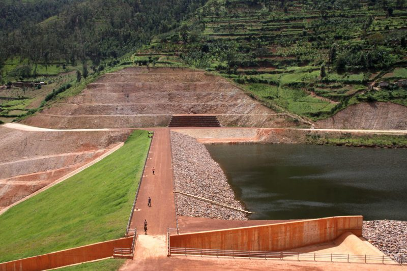 Muyanza Dam, Northern Province of Rwanda, was built in 2018 to benefit farmers and help grow crops for exports. Credit: Xinhua / Alamy Stock Photo. M886P5