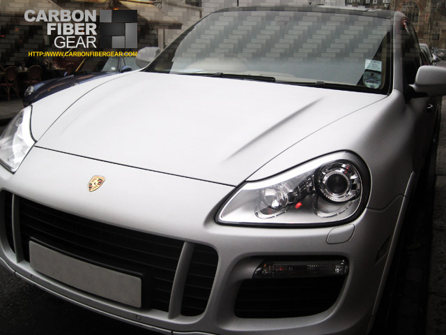 Porsche Cayenne with white carbon fiber 3M DI-NOC