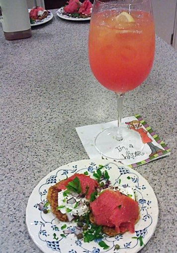 Low Carb Sea Breeze with Smoked Salmon Appetizer