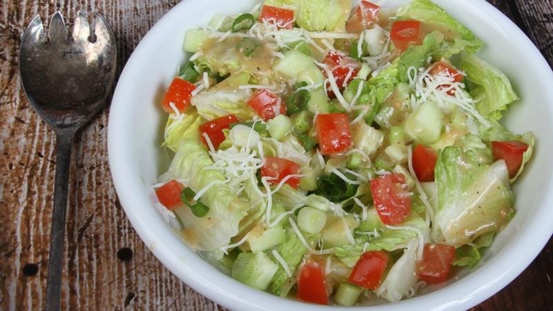 Low-Carb Gluten-Free Simple Garden Salad Recipe