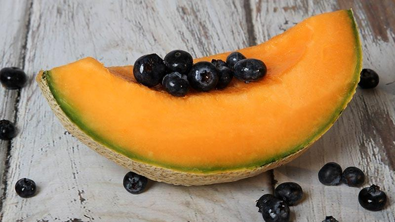 Low-Carb Cantaloupe Wedges With Blueberries Recipe