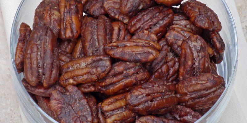 CHOCOLATE GLAZED PECANS