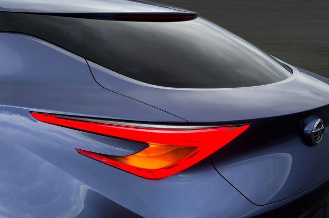 Nissan-Friend-ME-Concept-Boomerang-Tail-Light