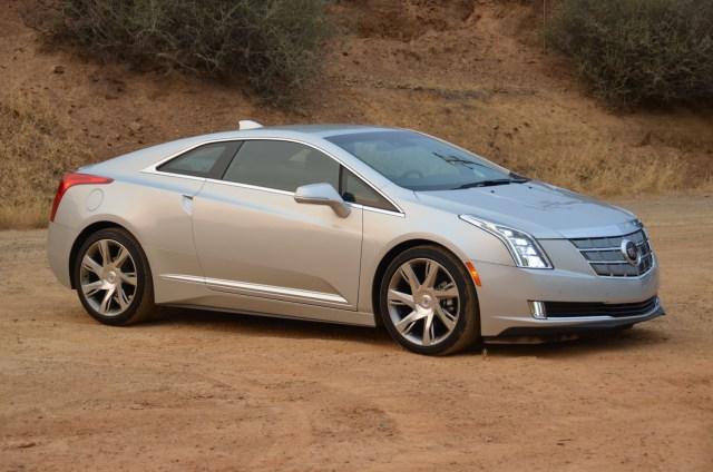 2014_Cadillac_ELR_021
