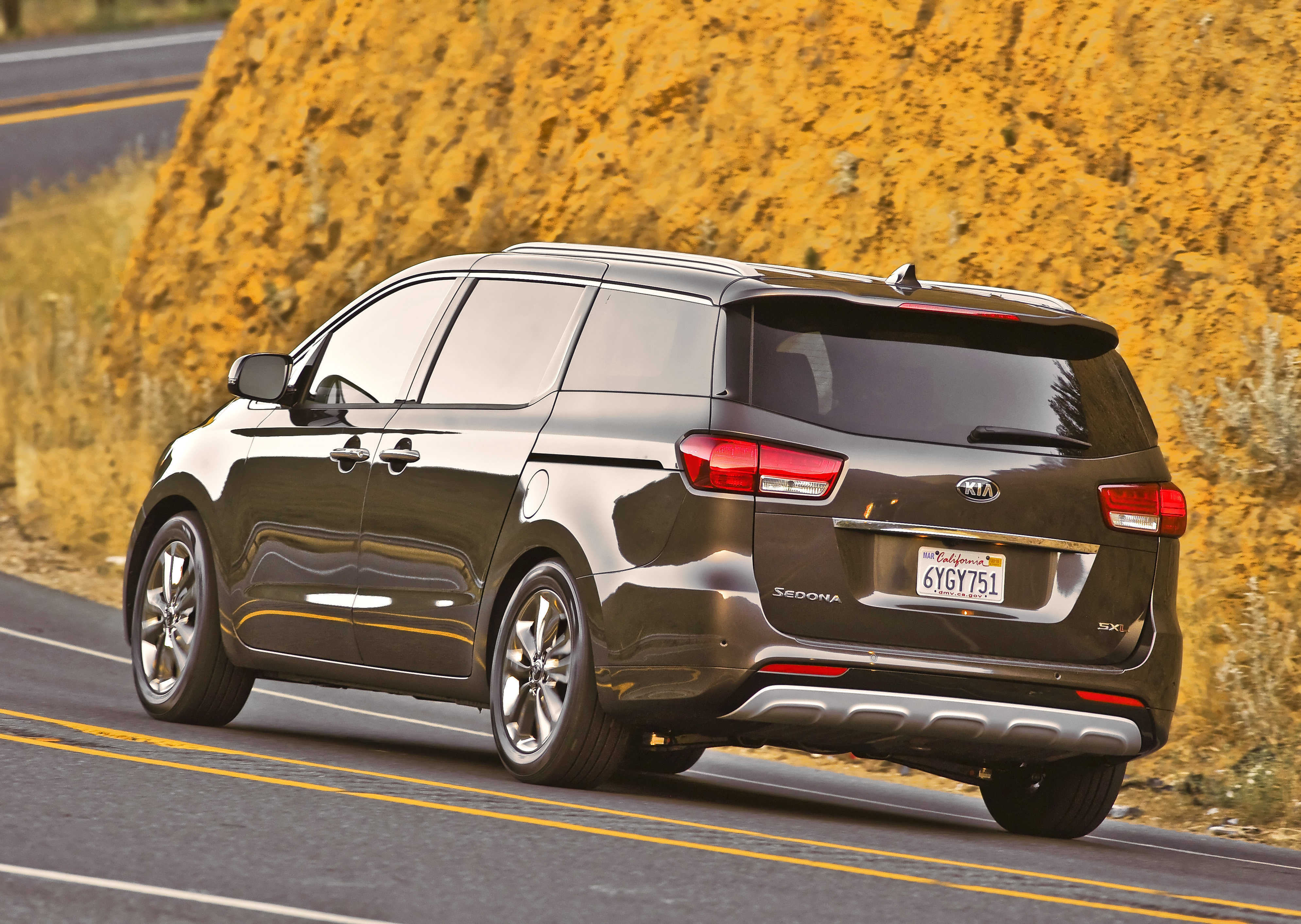 created reviews review driving kia ex test l with sedona minivan road rapha