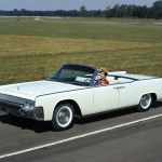 Lincoln Continental- International Style (1964)