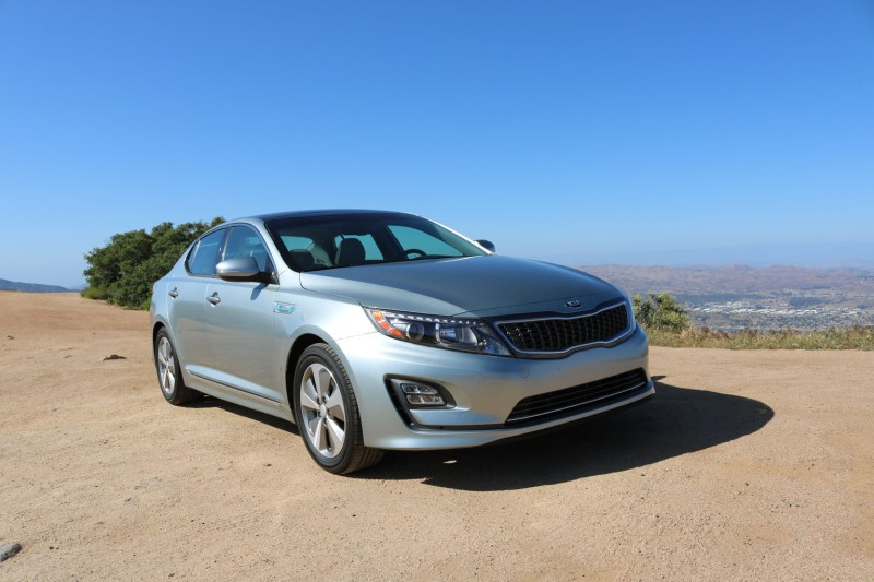 2016_Kia_Optima_Eco-Hybrid_006