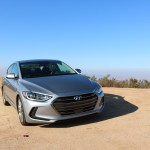 2017_Hyundai_Elantra_Limited_010