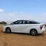 2018_Toyota Mirai_Fuel_Cell_035