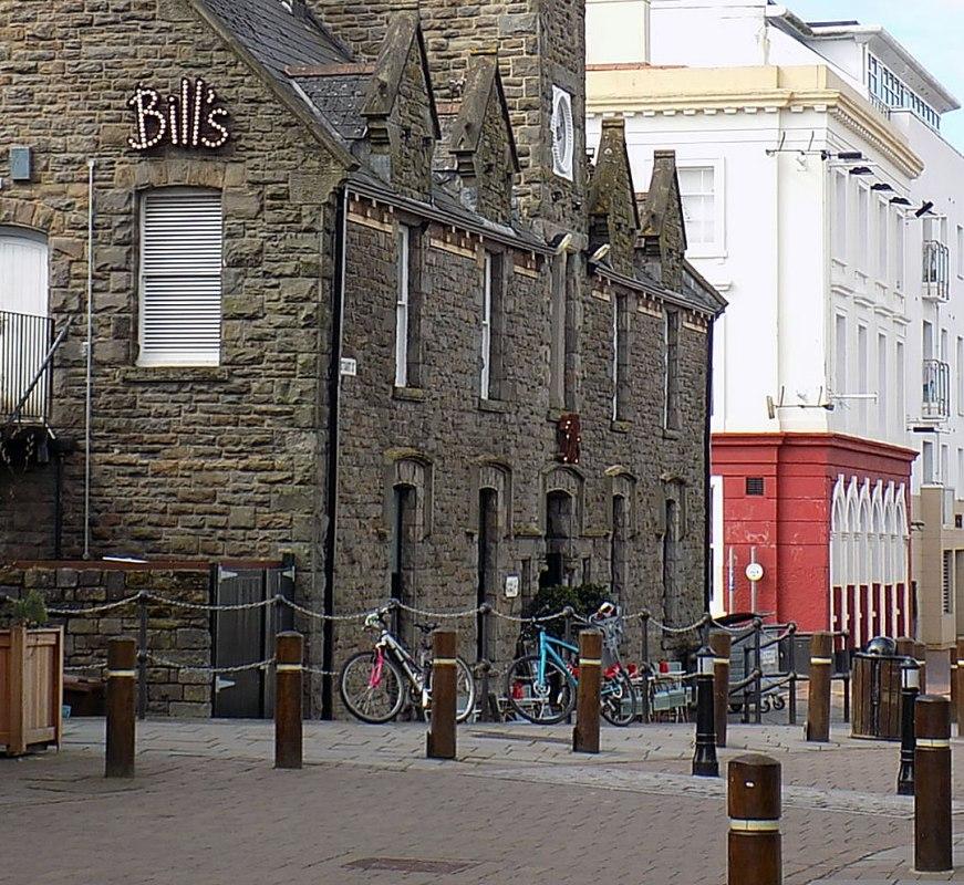 Hotels On Cardiff Bay: Bill's Restaurant