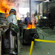 Before casting, the bronze must reach 1,200 degrees Celsius. | Photo submitted by frenchmoments.eu