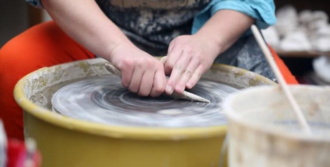 Union Art student practicing ceramics