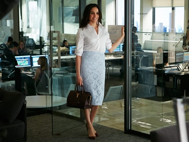 rachel-zane-blue-lace-burberry-prorsum-skirt