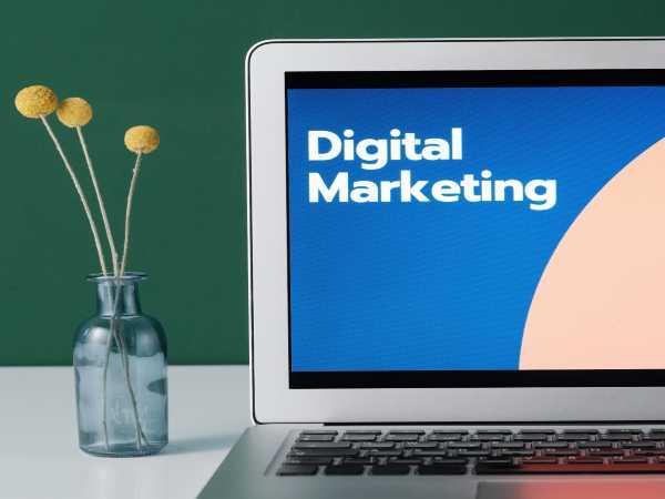 5 कारण क्यों डिजिटल मार्केटिंग 2021 में सर्वश्रेष्ठ करियर विकल्प है