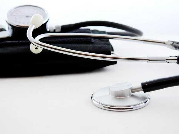 नीट के बिना शीर्ष चिकित्सा पाठ्यक्रम 12 वीं कक्षा के बाद जारी रहेगा