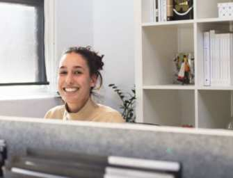 Een kantoorbaan: aannemen of afwijzen?