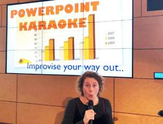 Workshop Powerpoint Karaoke – lachend leren presenteren met lef