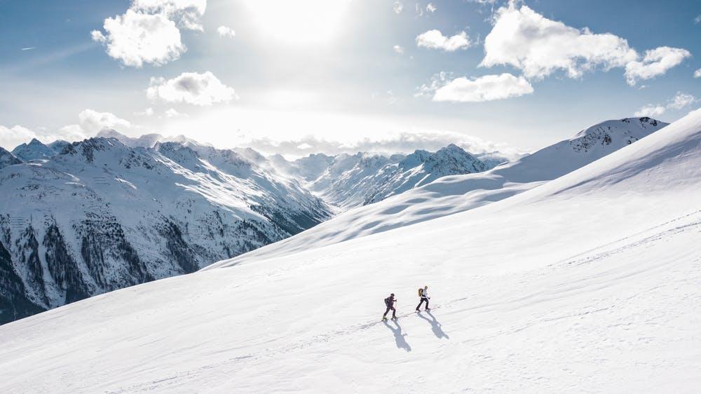 Esquiar con niños: beneficios del esquí