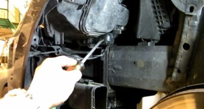 Step by step tutorial to change halo lights on BMW 3 series