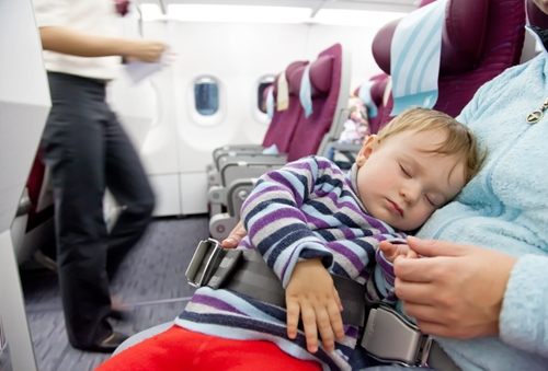How to stay healthy during your holiday flight