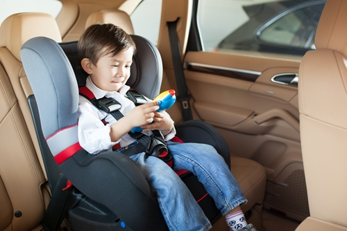 4 car seat safety tips for busy winter traveling