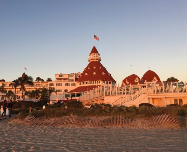 How to enjoy the hotel del Coronado for kids, S'mores for Luxe Moms, Things to do in Coronado with kids,