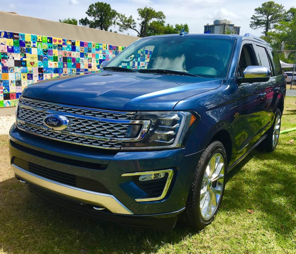 finding a suv for the family ford reveals new 2018 suvs. Black Bedroom Furniture Sets. Home Design Ideas