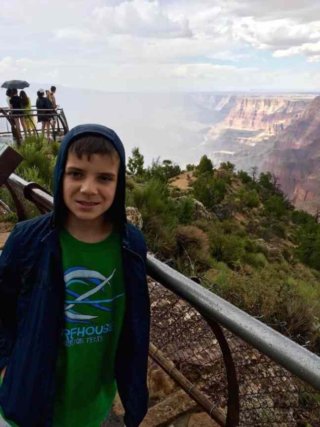 Hike along the Rim Trail. What to do at the Grand Canyon with kids.