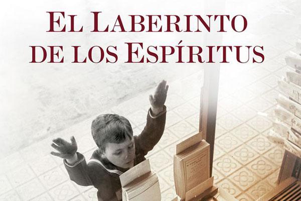 Carlos Ruiz Zafón – Cargada con libros