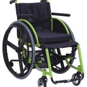 Silla de ruedas semideportiva de aluminio