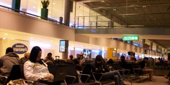 Qué hacer mientras esperas un avión