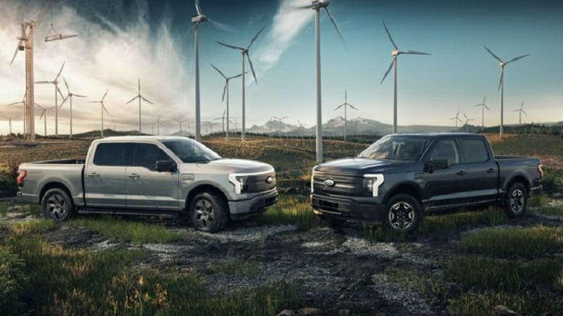 Ford F-150 Lightning Debuts a Commercial Work Truck Version
