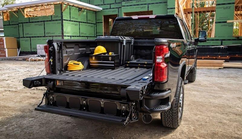 2022 Chevrolet Silverado HD Offers a Multi-Flex Tailgate