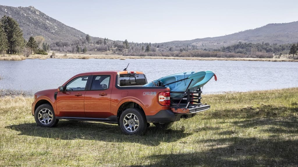 Ford Maverick's Flexbed: Functionality of Large Truck in a Compact Pickup?