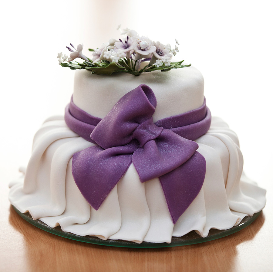 What cake designs are couples choosing    Caribbean Belle Weddings Here s