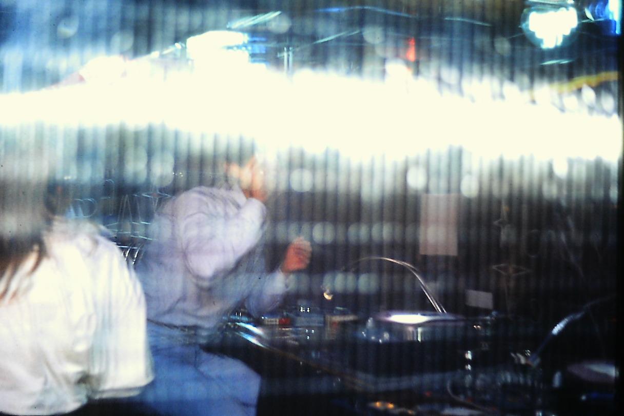 DJ IN CONSOLLE CON I MICRO DQX 1000