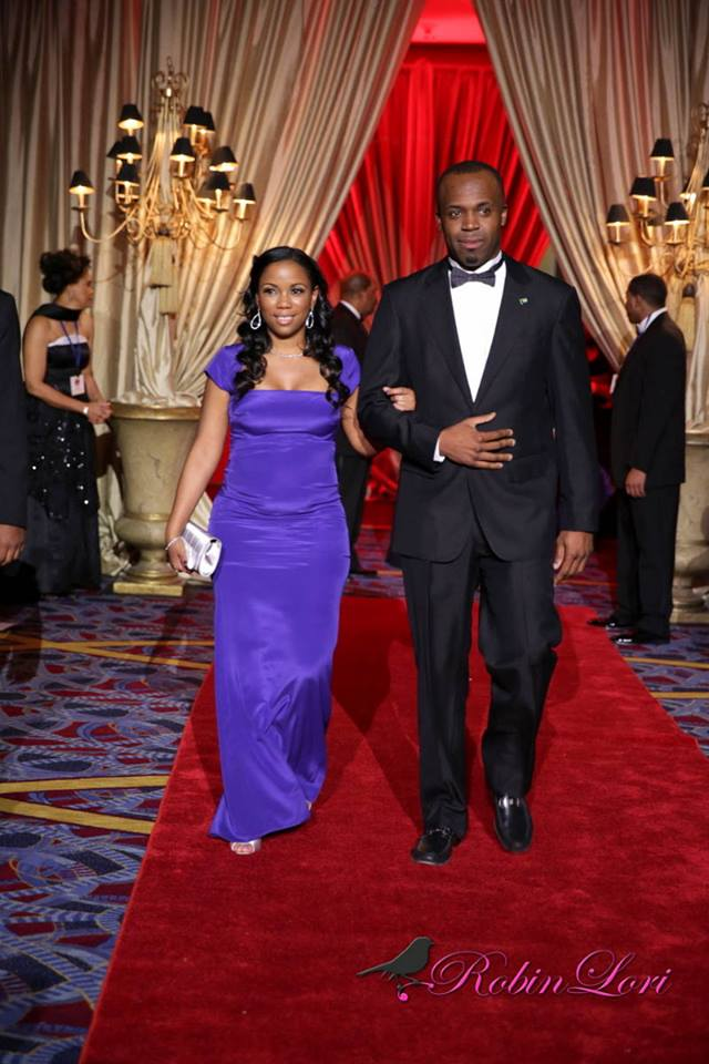 Bahamas Consulate General Attends UNCF Mayors Mask Ball