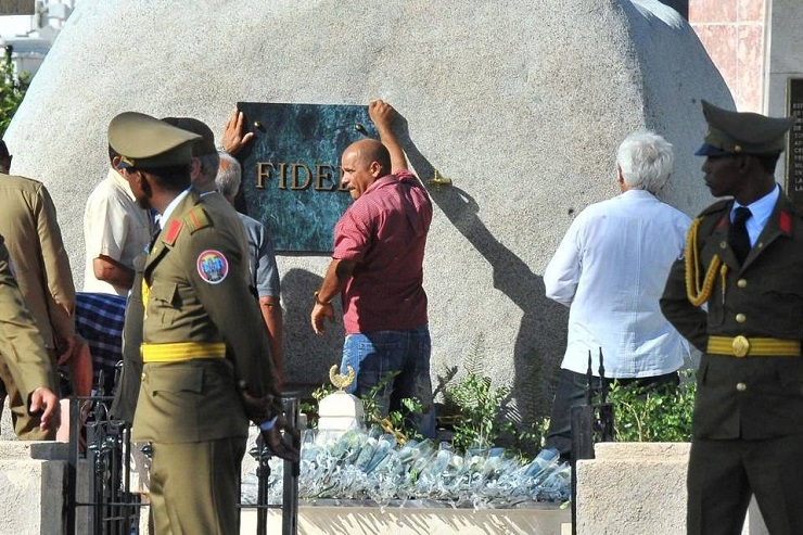 Castro Laid to Rest in Cuba