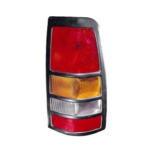 Depo®  GMC Sierra 20012003 Replacement Tail Light